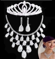 Korean direct selling Bridal Necklace, earring, crown jewelry, three sets wedding accessories