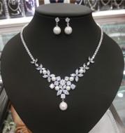 Bridal suite zircon Pearl Necklace + ear ear clip two pieces, simple wedding accessories Taobao source