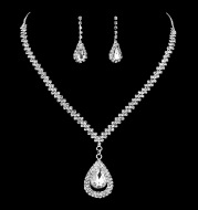 The new popular Silver Rhinestone Necklace ear drops and bride suit 2 pieces of wedding jewelry