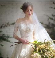 Wedding dress 2021 new bride trailing word spring and summer Korean wedding sleeves wedding dress tail thin