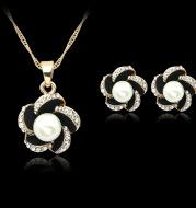 Korean fashion jewelry set diamond diamond necklace chain selling hollow female bride jewelry wholesale clavicle