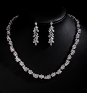 Simple 3A zircon necklace earrings set in Europe and America fashion leaves set ornaments, photo studio props wholesale Bridal Jewelry