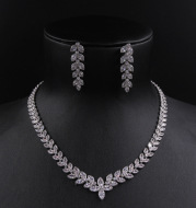 Exquisite bridal sleeve chain 3A zircon necklace earrings set Italy Jewelry Wedding dress ornaments