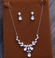 Bridal zircon necklace, two piece set of zircon necklace, earring set, Korean wedding dress, wedding accessories