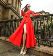 Long trench coat with dark buckle