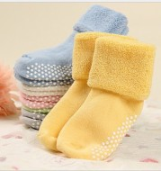 Thickened terry baby non-slip dispensing socks
