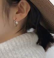 Hypoallergenic pearl earrings