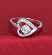 European and American ornaments inlaid with AAA high grade zircon heart rings