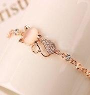 Cat bracelet with diamond alloy jewelry