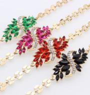 Popular Diamond-Studded S-shaped Resin Flower Bracelet