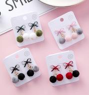 Korean version of the sweet bow velvet small hair ball earrings female temperament hair ball earrings plush autumn and winter new earrings
