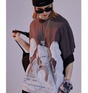 Madonna printed loose men and women half sleeve