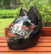 Motorcycle helmet with cat ears automobile race antifog full face helmet personality design with horn capacete casco