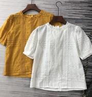 Retro female lace crocheted shirt lining