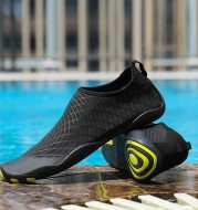 Fit children's snorkeling socks and river shoes