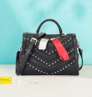 Single shoulder messenger handbag