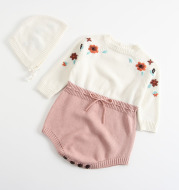Embroidered one-piece baby girl triangle romper