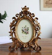 European oval resin photo frame