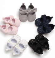 Toddler shoes 0-1 year old female baby shoes princess shoes small star non-slip flower hook and loop baby shoes one piece