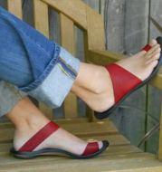 Women's Flat Sandals With Open Toe Metal Trim