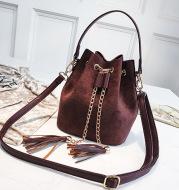 Single Shoulder Messenger Bag Personalized Chain Tassel Bucket Bag