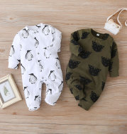 New Leisure Infant Long-Sleeved Foot-Wrapped One-Piece
