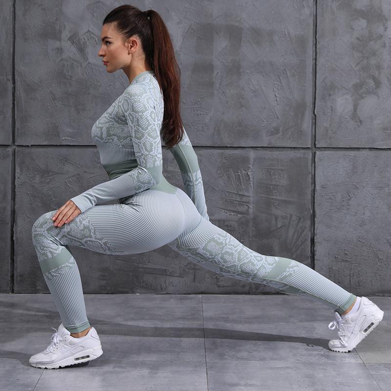 Women's Slim-Fitting Snake Pattern Yoga Set - Green - JOMOBabe Online Store   Women Workout Clothes & Gym Gear   JOMOBabe