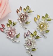 Flower Camellia Brooch High-end Diamond Corsage Elegant Clothing Accessories