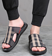 Men's New Indoor And Outdoor Dual-Use Casual Non-Slip Flip-Flop Beach Slippers
