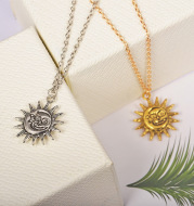 Smiley Sun Necklace Fashion Personality Face Sun Simple Clavicle Chain