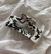 Chaifu Studio F63 INS Cold Wind Retro Temperament Cow Color Black And White Acetate Hairpin Clip