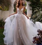 New Slim And Deep V Suspender Light Wedding Dress