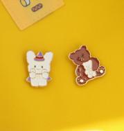 A Little Magic Bear Brooch Cute Japanese Cartoon Couple Badge Men''s And Women''s Pin Bag Decoration Fashion