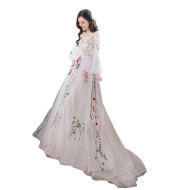 Retro Bridal Gown Super Fairy Bride Tailed Out Yarn Light Wedding Dress