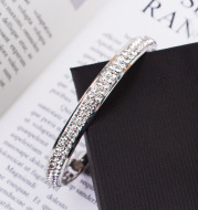 Hot Diamond Fashion Watch Set Bracelet Ladies Wristwatch Men