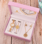 Fashion Necklace Simple Atmosphere Ladies Gift Set