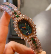 Dial Wine Barrel Type Full Diamond Green Watch