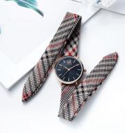 Cloth strap watch