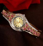 Fashion watch with diamonds