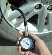 Digital tire pressure gauge for automobile