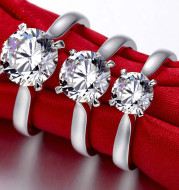 Sterling silver with diamond ring for lady