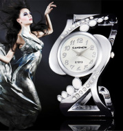 Ladies fashion bracelet watch