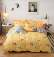 Three-piece fall/winter bed quilt cover