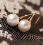 Simple pearl earrings for women