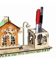 Creative DIY penholder model