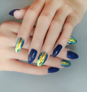 24 pieces of trendy wearable fake nail pieces