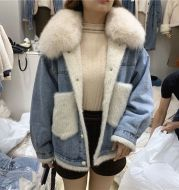 Loose and velvet jacket in cotton