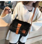 Large one - shoulder wool bag