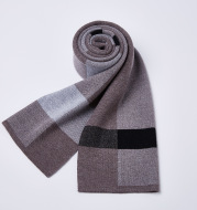 Plaid knitted wool scarf