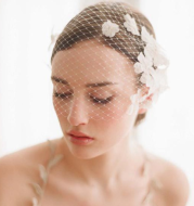 Hand-sewn Hair Comb Flowers Bridal Veil